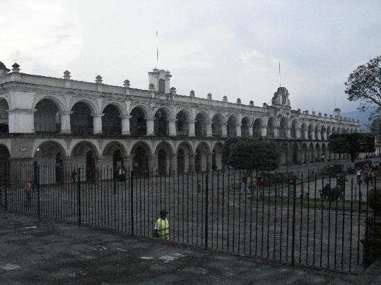 Palacio de los Capitanes Generales: desde el atrio