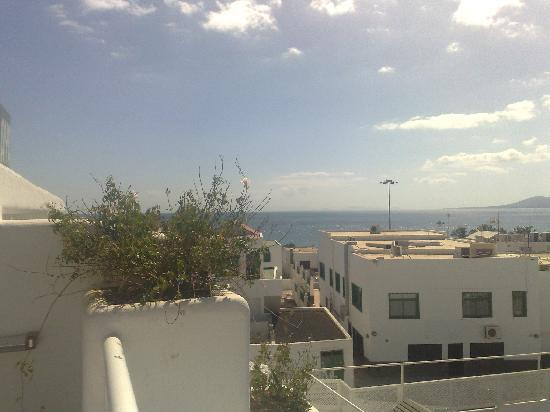 Relaxia Lanzaplaya Apartments: looking across to fuertaventura from hotel restaurant