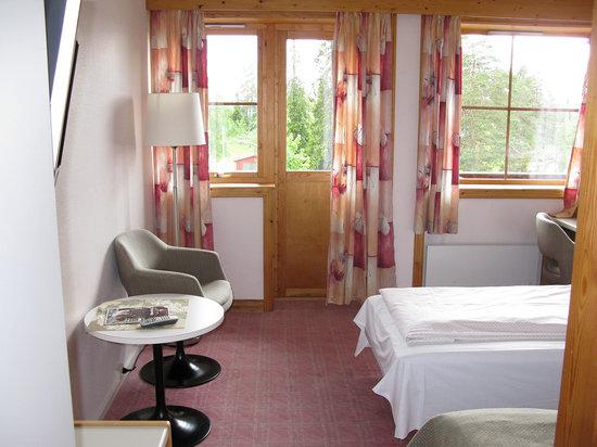 Sillongen Toten Hotel: Zimmer mit zwei Einzelbetten