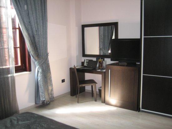 MonarC Hotel Image