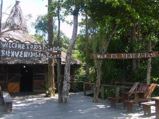Mis Palafitos Lodge : Der Eingang