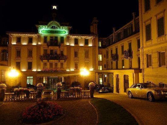 Grand Hotel Kronenhof: La cour d'entrée