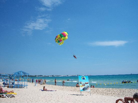 The Orangers Beach Resort & Bungalows: Beach 2