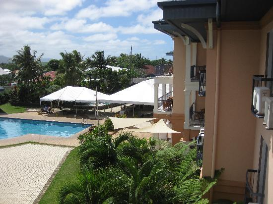 Tradewinds Hotel: pool