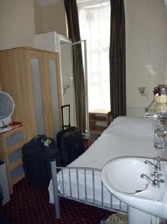 Wyndham Hotel: nos deux sacs au milieu de la chambre
