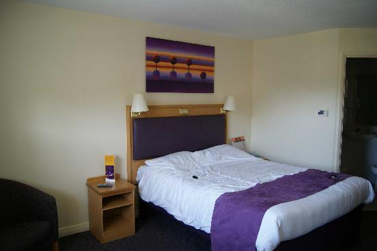 Premier Inn Bangor Hotel: Room