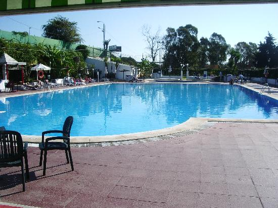 San Pedro de Alcantara, İspanya: the very large pool