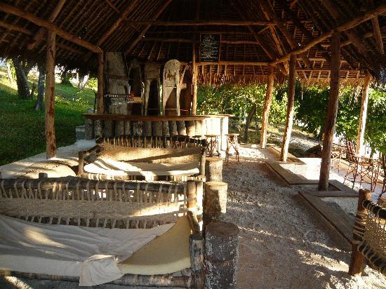 The Manta Resort: the beach lounge
