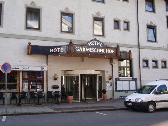 Hotel Garmischer Hof: Hotel front