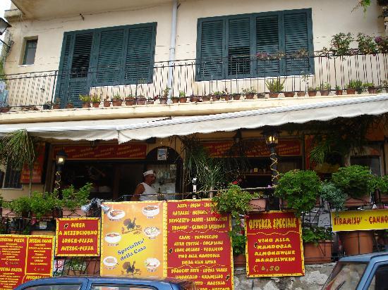Castelmola, Italy: Gallo Cedrone