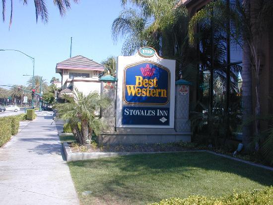 Best Western Plus Stovall's Inn: Devant de hotel