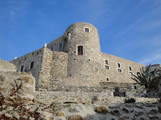 Naxos Resort Beach Hotel: Venetian castle