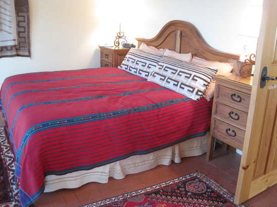 Blue Lake Ranch : Comfy king size bed