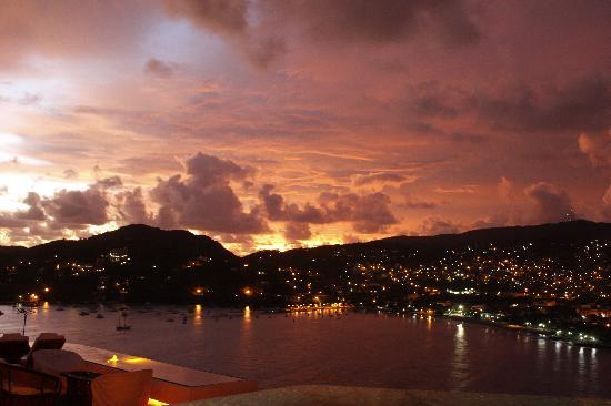 Tentaciones Hotel: Sunset first night there