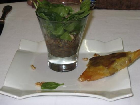 ‪‪Hotel La Belle Etoile‬: Foie gras in filo with lentil salad‬