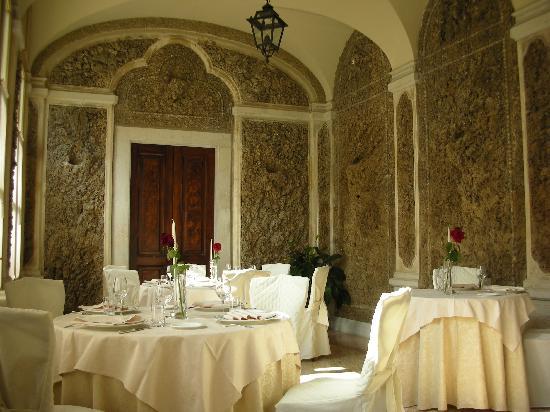 Villa Fenaroli Palace Hotel: Hostaria 1735 intimate dining room