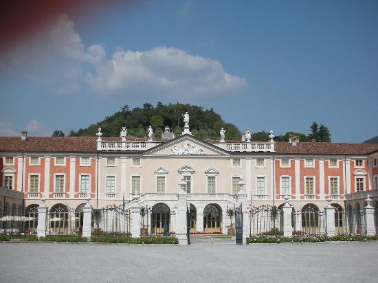 Villa Fenaroli Palace Hotel: The hotel