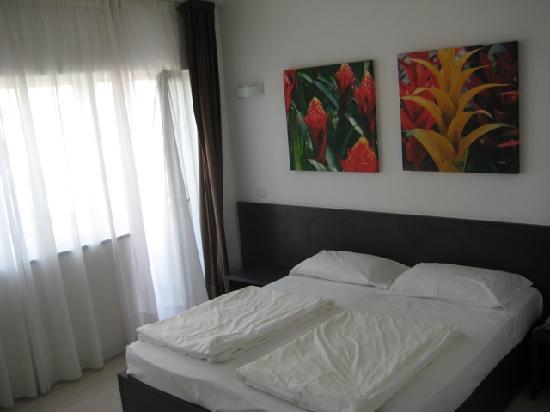 Ca' del Moro Foresteria: Roomu double bed (with separate mattrasses)