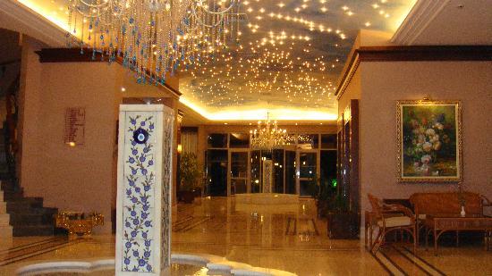 Gumuldur, Turkey: entrée le soir