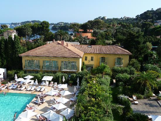 Hotel Royal-Riviera: Pool und Orangerie-Gebäude