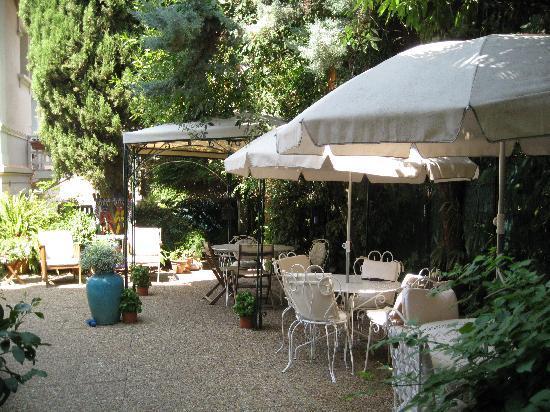 Hotel Le Vendome Villa Claudia: Terrasse des petits déjeuners
