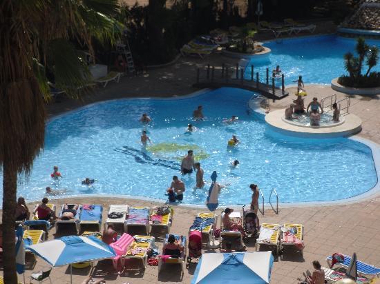TUI Family Life Avenida Suites: pool from the balcony
