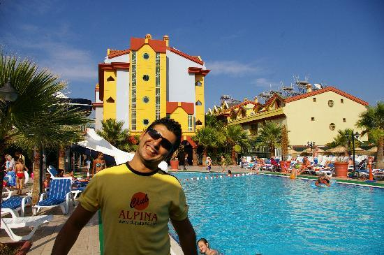 Club Alpina Apartments Hotel: James