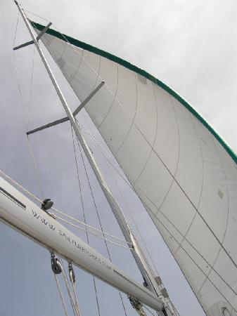 Ventajero Sailing Charters: Sailing