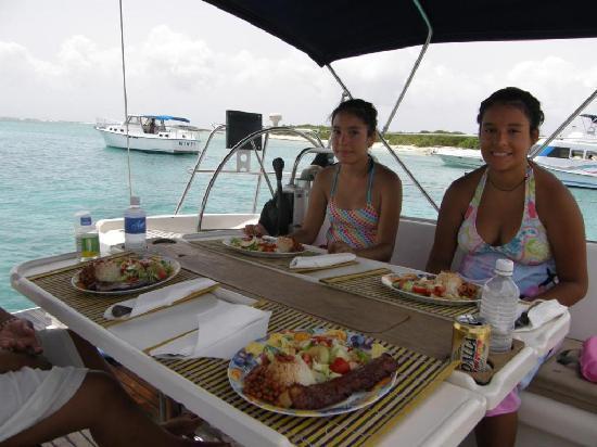 Ventajero Sailing Charters: Ready