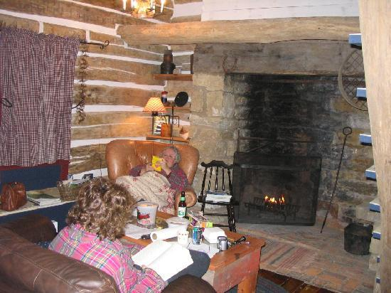 Cothren House: Were the pioneers this cozy?