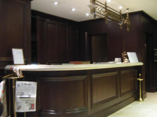 Hera Hotel: Reception Desk