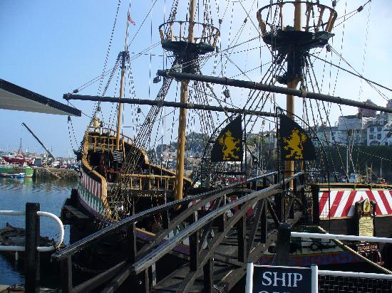 The Redcliffe Hotel: Replica of Drake's ship, The Golden Hind in Brixham