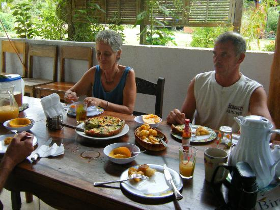 Empalme a Las Playas: Breakfast with Karen and Roy