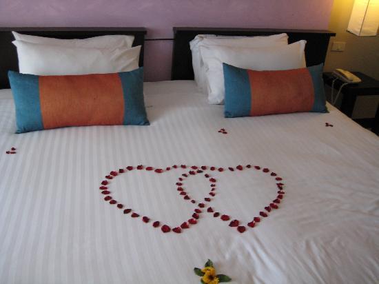 บุราส่าหรี รีสอร์ท: honeymoon treatmenet