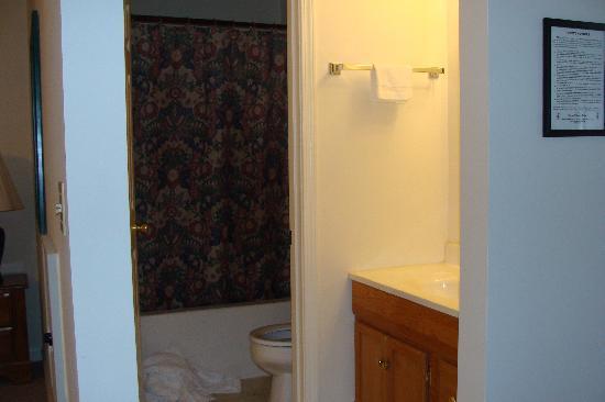 Five Star Inn: Bathroom