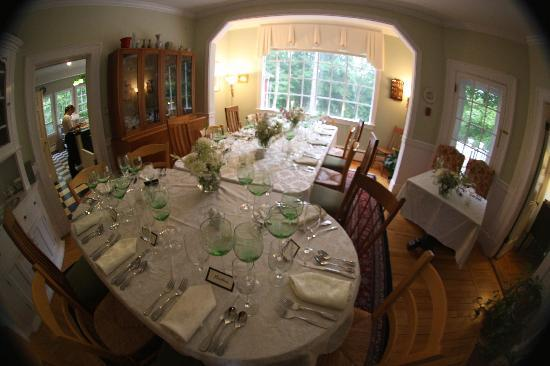 Hawthorn Inn: Dining room set for dinner.