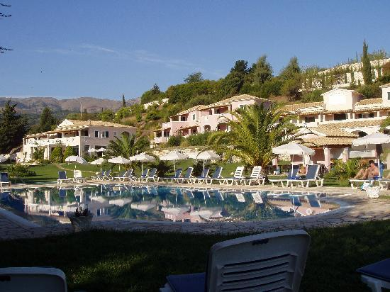 Avlaki, Greece: Morning by the pool