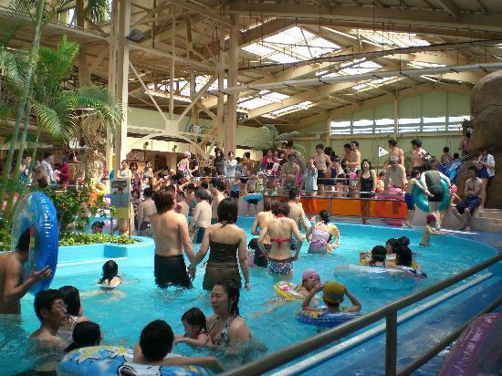 Spa Resort Hawaiians: お昼近くになると混んできます