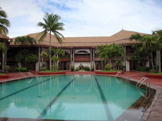 Coconut Palace: Rear view with swimming pool