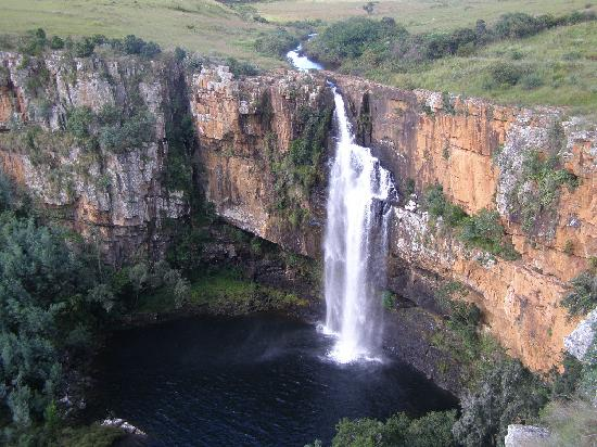 Umbhaba Lodge: one of the many waterfalls in the region