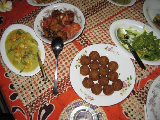 SANKAREST Garden Restaurant: Some of the dishes we enjoyed