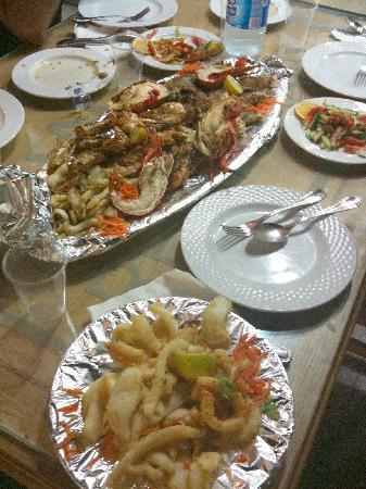 sinai star: Calamari fritti e grigliata di pesce