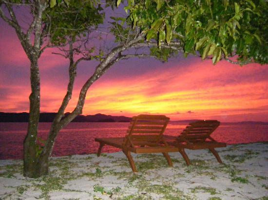 Dimakya Island, Filippinerna: サンセット