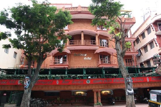 Parklane Hotel: Façade de l'hôtel