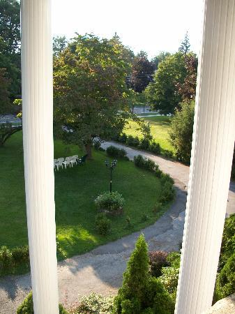 Allegiance Bed and Breakfast: View from upstairs balcony