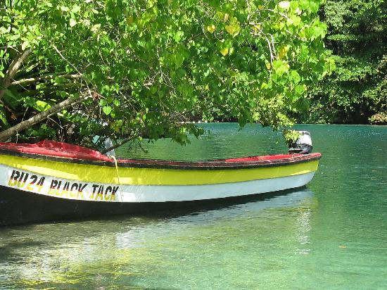 Moon San Villa: Our Fishing Boat on The Blue Lagoon