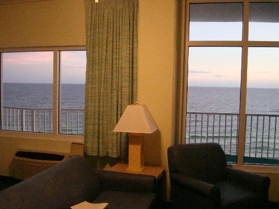 Palmetto Inn & Suites: View from living room