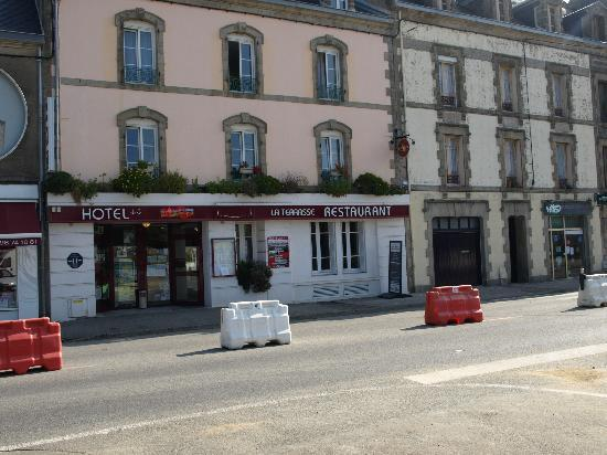 Hotel du Port Rhu : Front view of the Hotel