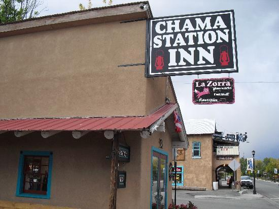Chama Station Inn: Easy to find on Terrace Ave