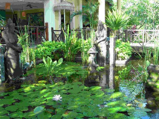 Poinciana Oceanside Resort & Retreat Centre: Restaurant